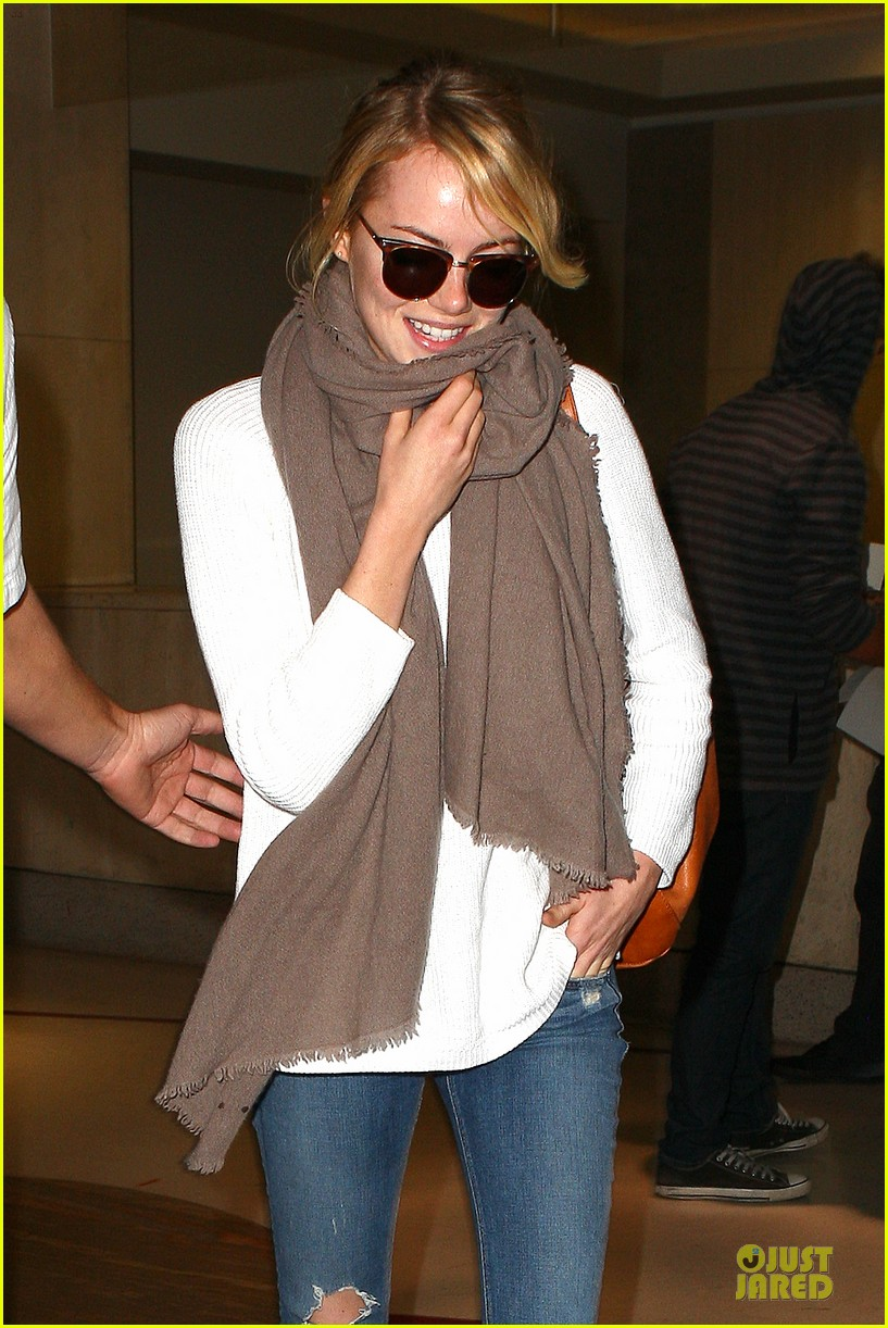 emma stone lands in lax airport after quiet few months 022993865