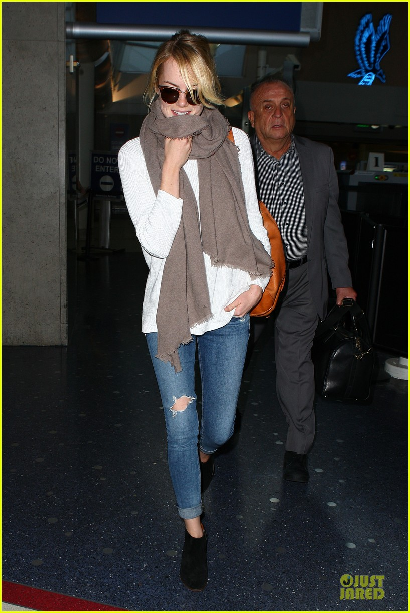 emma stone lands in lax airport after quiet few months 052993868