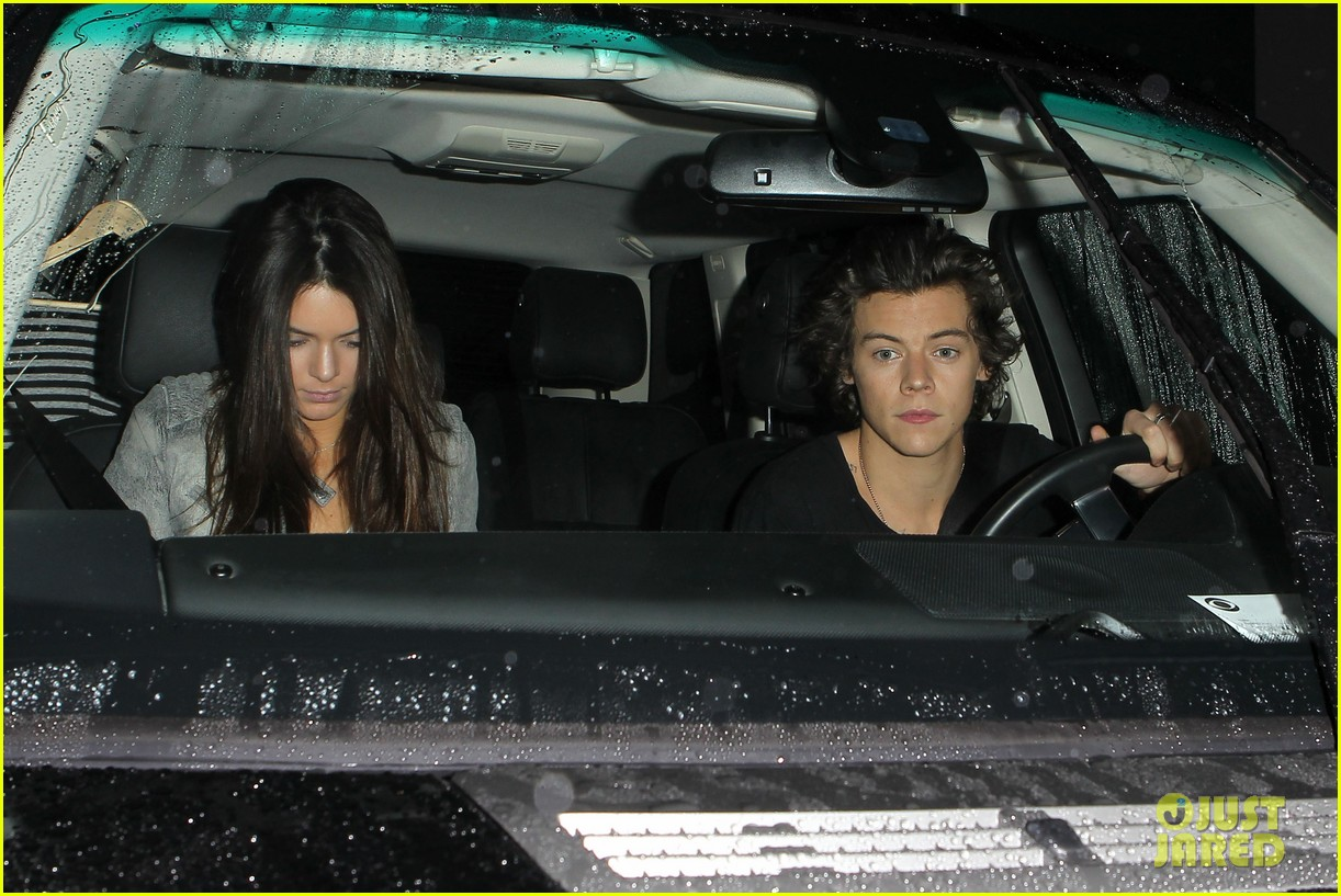 harry styles kendall jenner leave dinner together 012997271