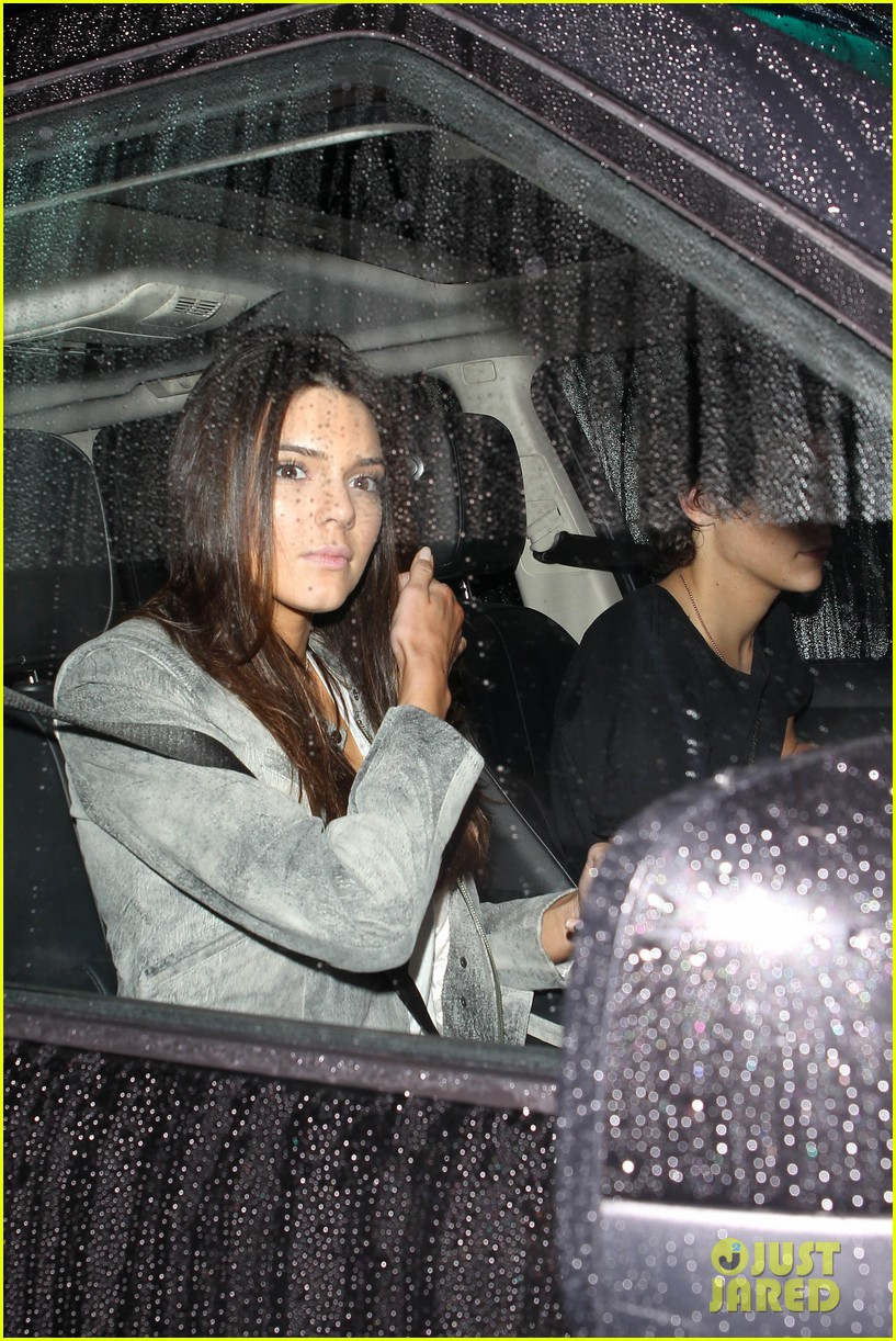 harry styles kendall jenner leave dinner together 082997278