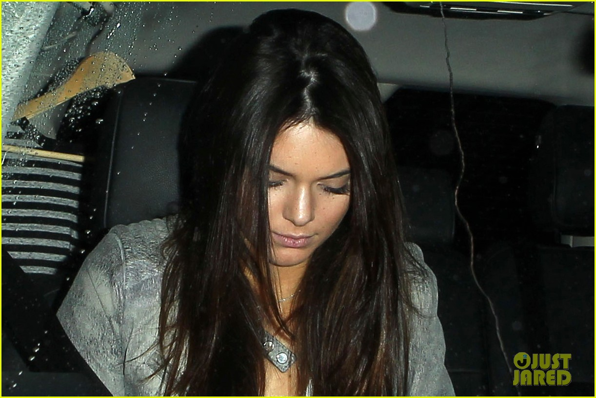 harry styles kendall jenner leave dinner together 122997282