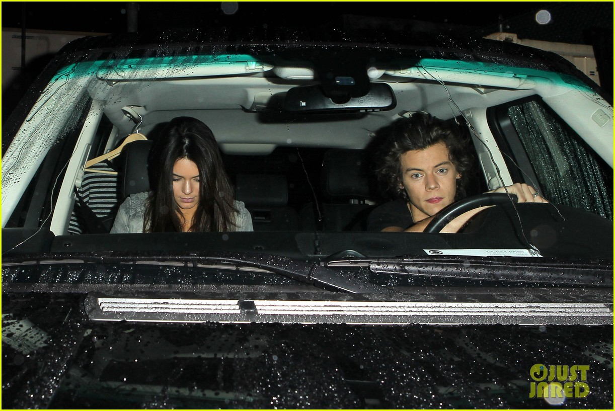 harry styles kendall jenner leave dinner together 132997283