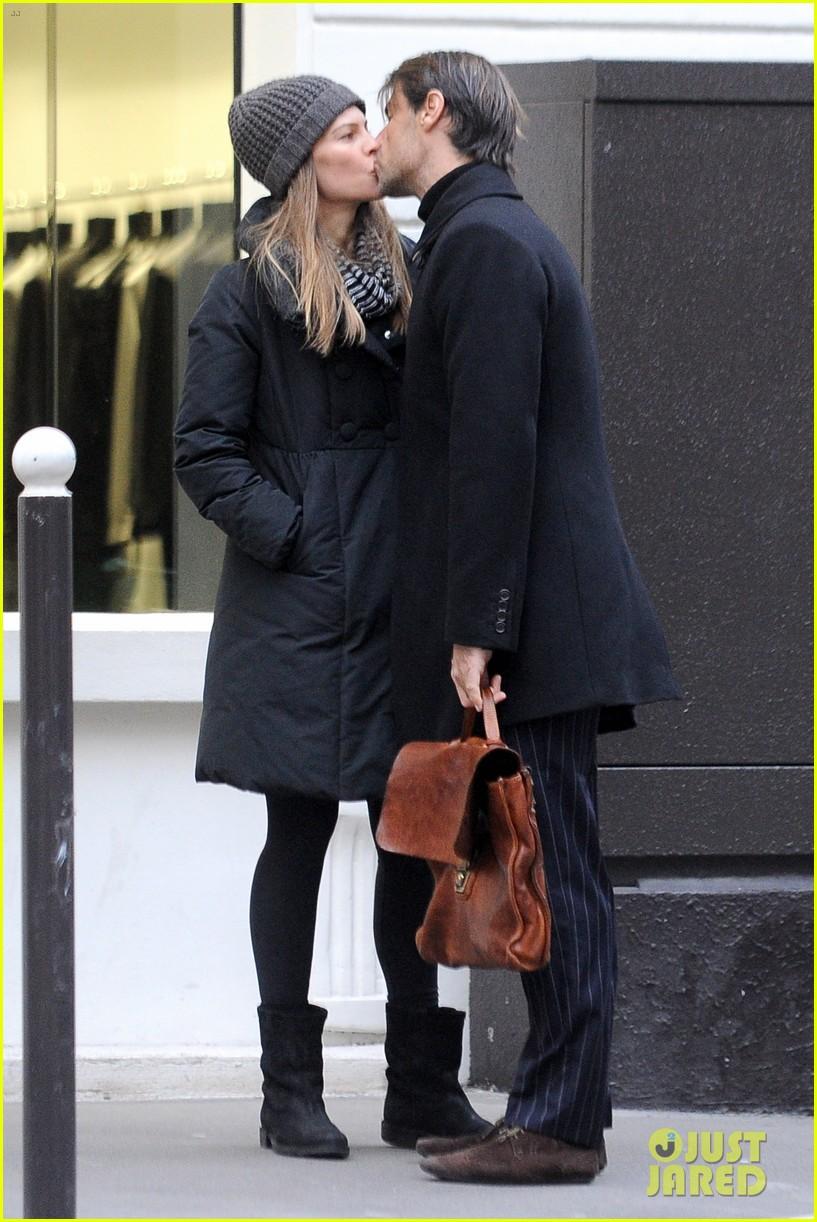 hilary swank lauren fleury kiss kiss in paris 013000112