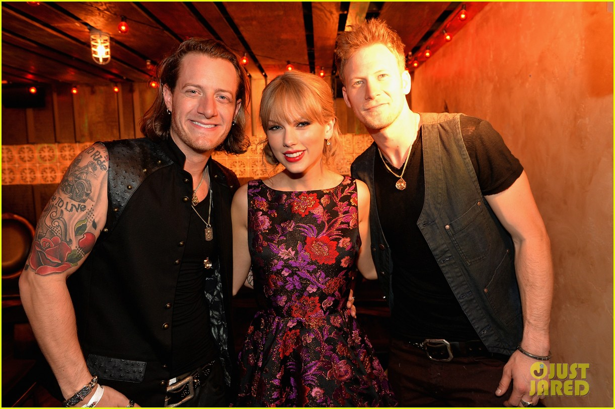 taylor swift cmt awards 2013 after party 012987441
