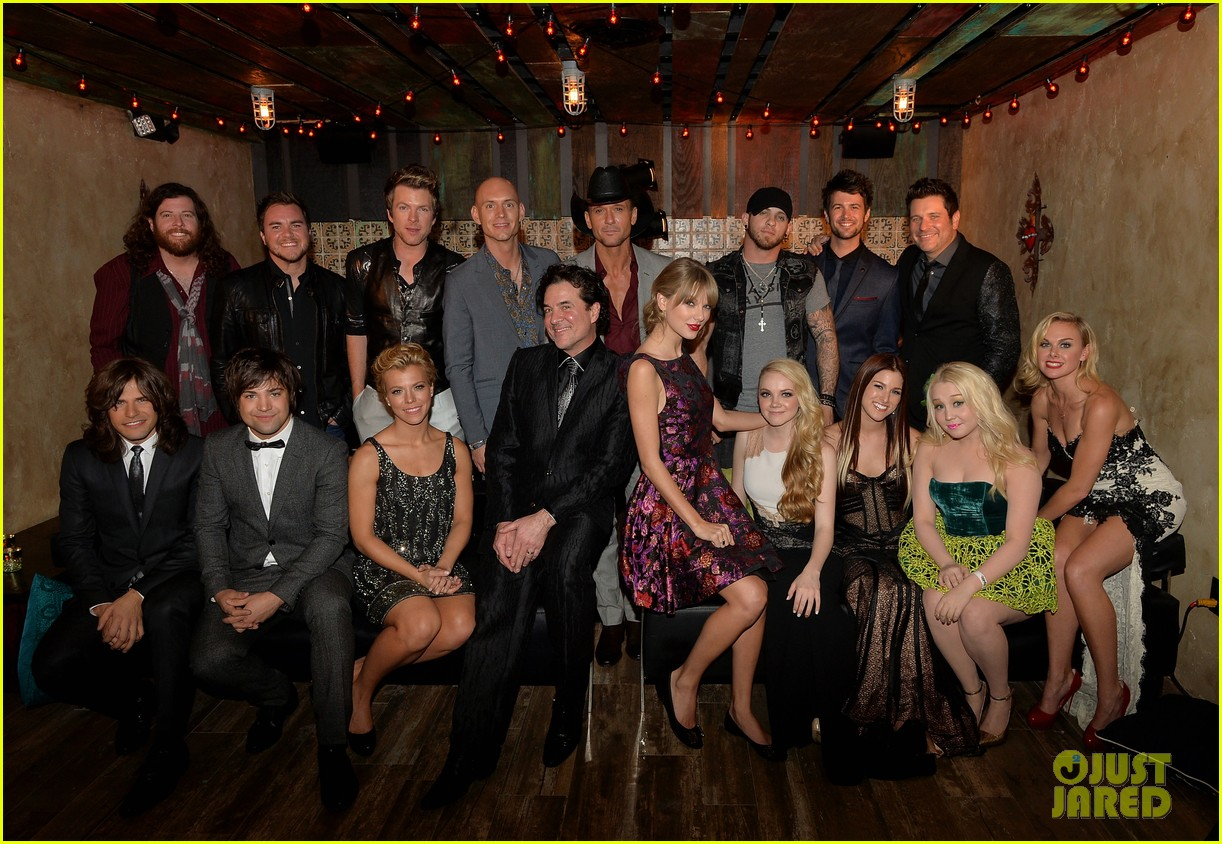 taylor swift cmt awards 2013 after party 042987444
