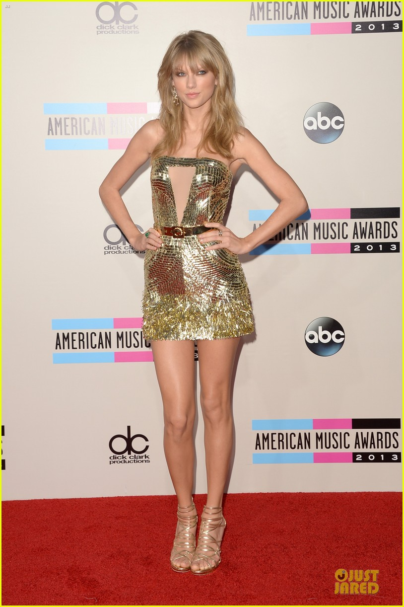 taylor swift amas 2013 red carpet 052999313