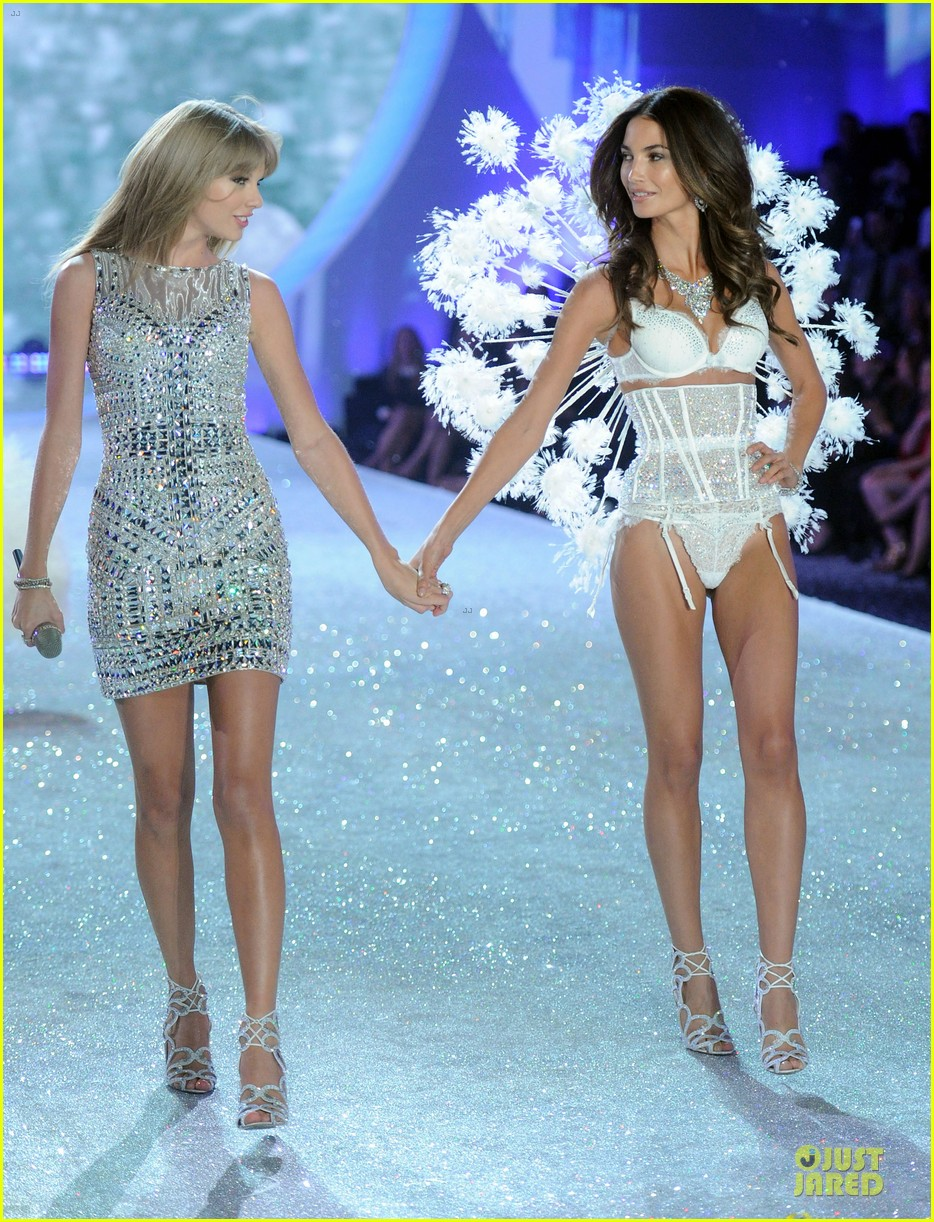 taylor swift victorias secret fashion show performer 2013 232992196