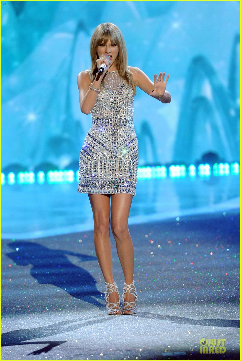 taylor swift victorias secret fashion show performer 2013 302992203