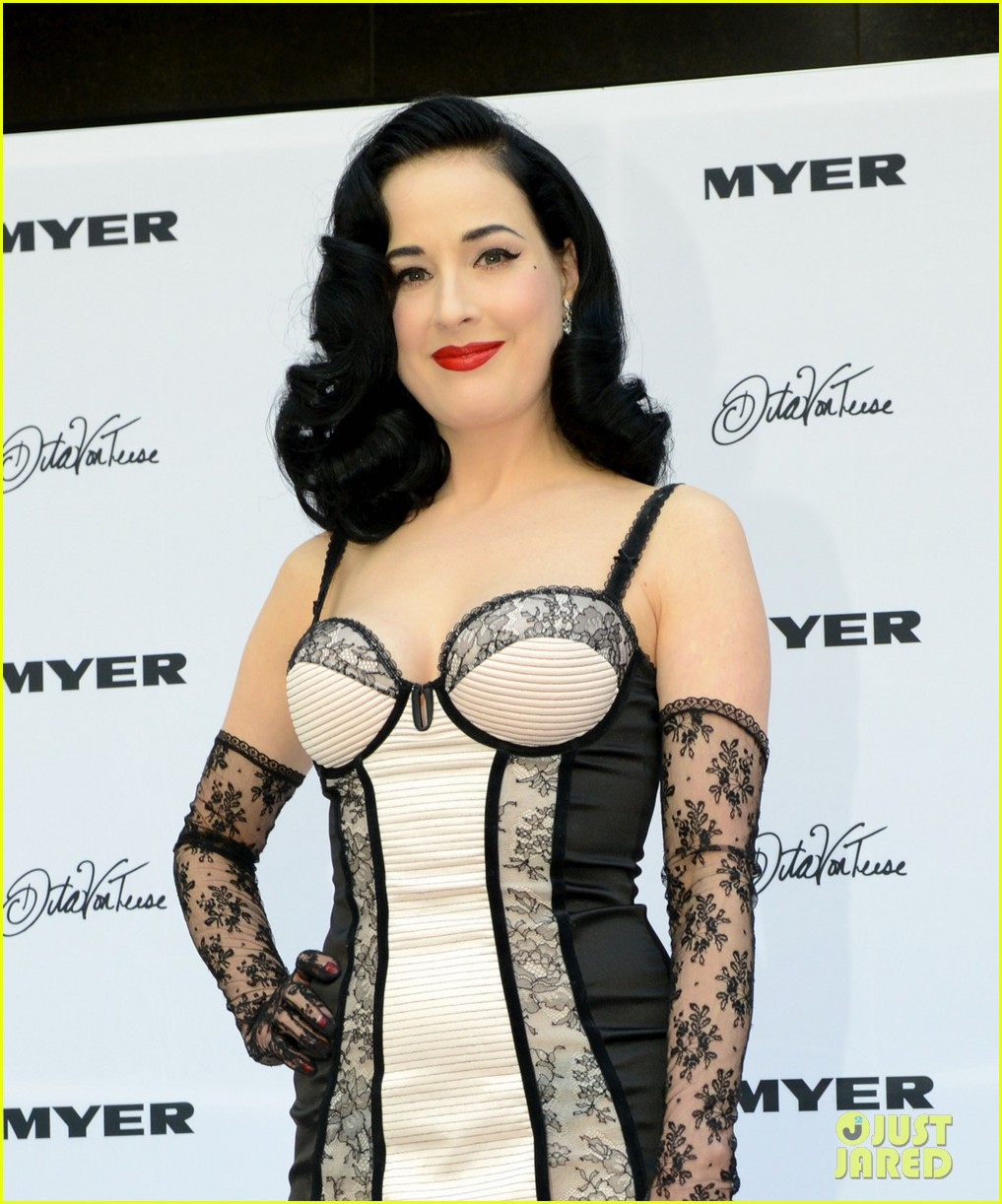 dita von teese debuts new lingerie collection in melbourne 082987531