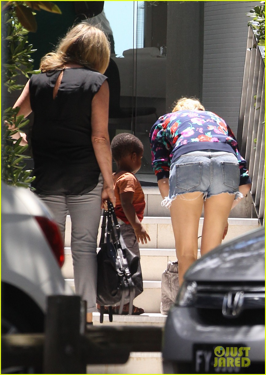 charlize theron sydney outing with her little man jackson 12