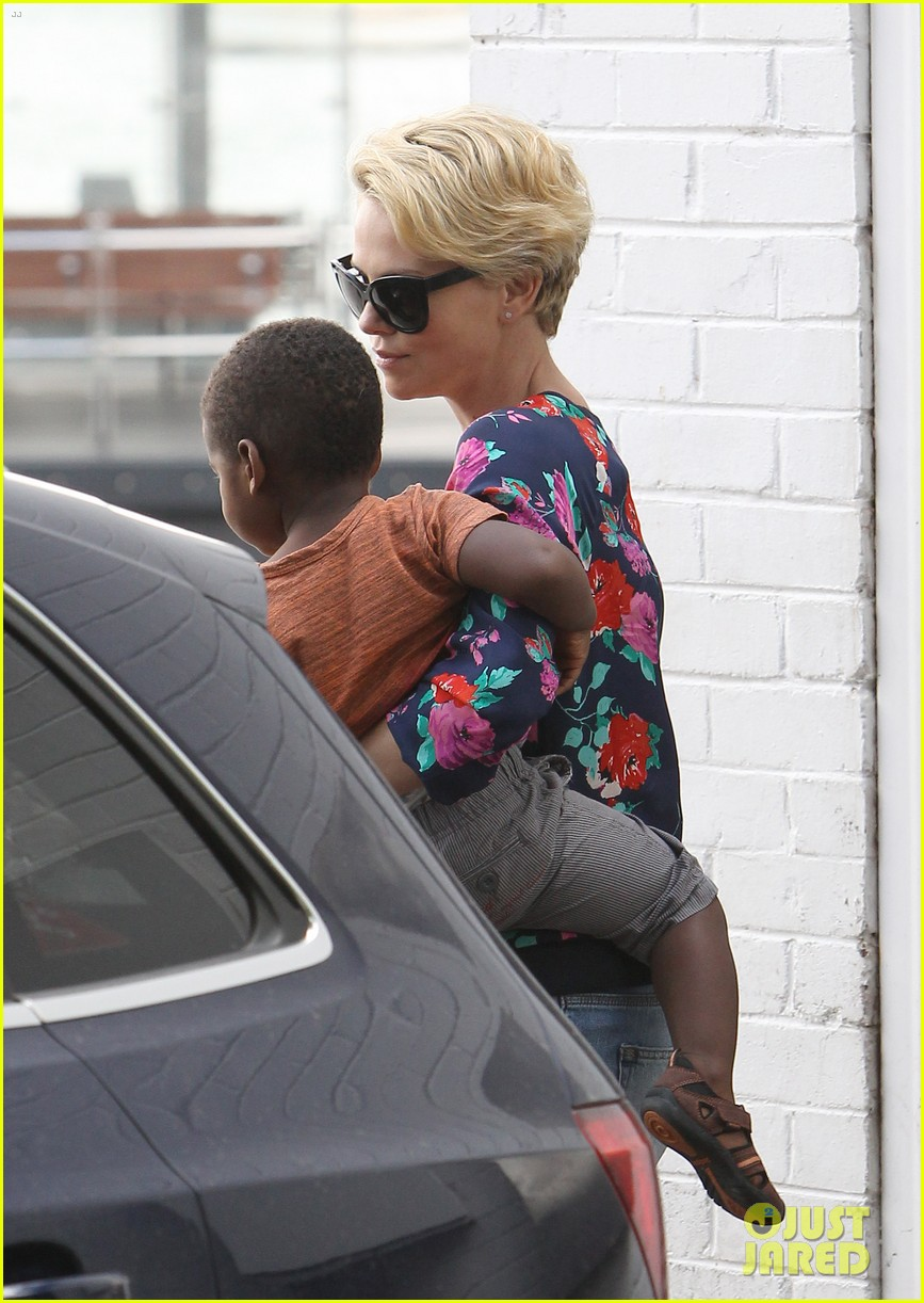 charlize theron sydney outing with her little man jackson 142999875