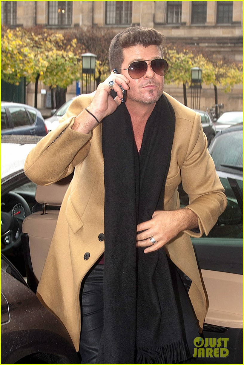 robin thicke mtv ema this weekend 022988415