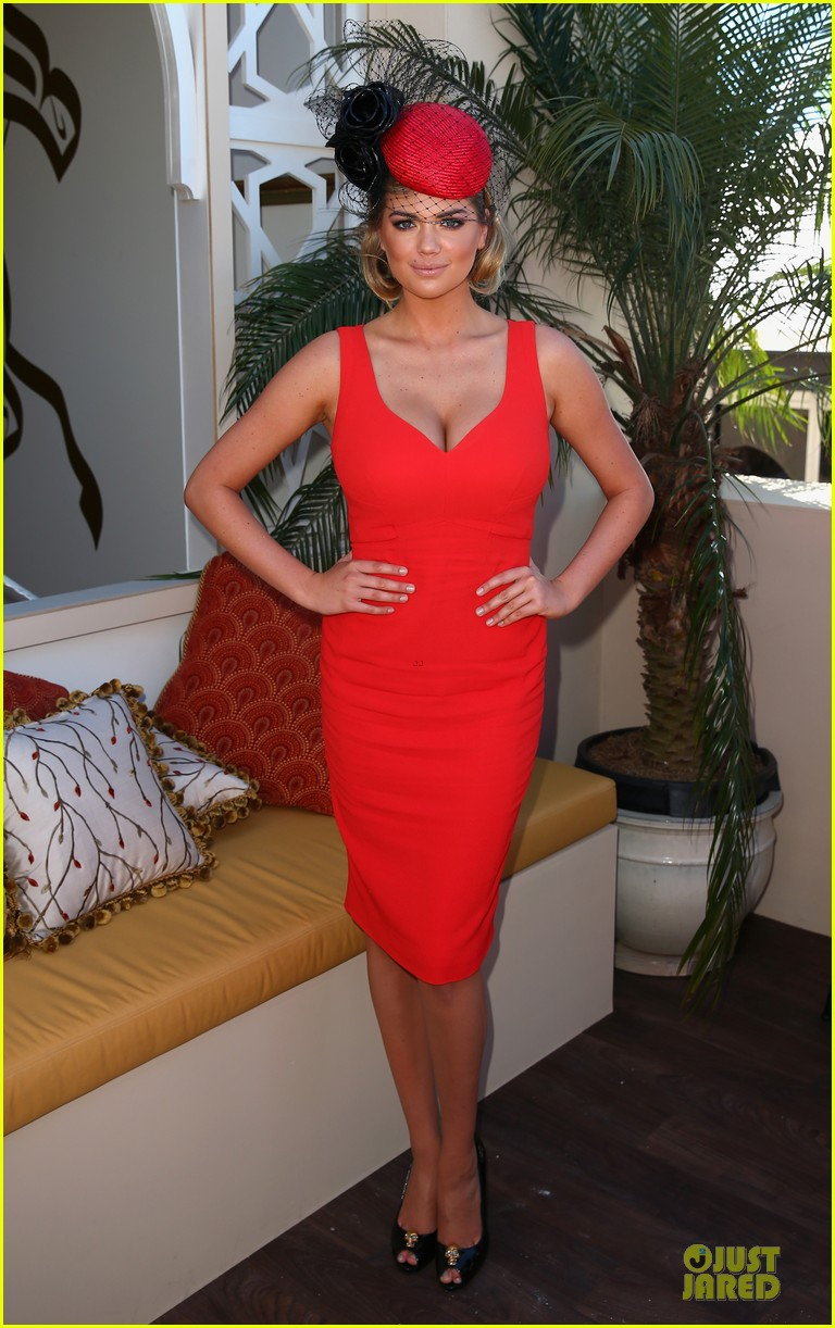 kate upton red hot cleavage for melbourne cup day 052986889