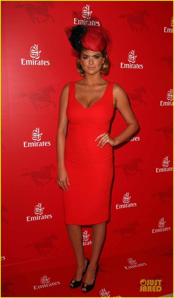 kate upton red hot cleavage for melbourne cup day 07