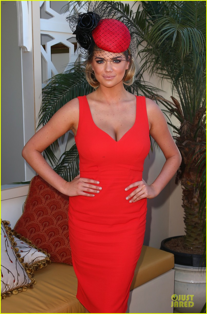 kate upton red hot cleavage for melbourne cup day 082986892