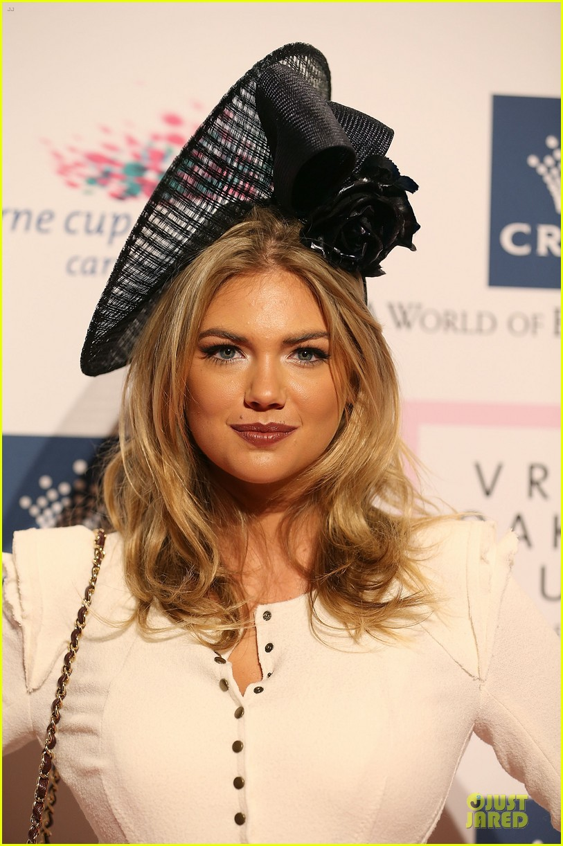 kate upton red hot cleavage for melbourne cup day 24