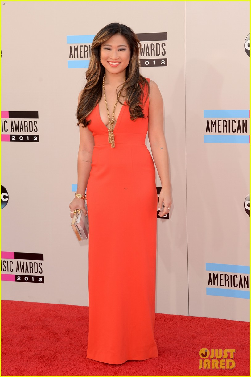 jenna ushkowitz amas 2013 red carpet 02