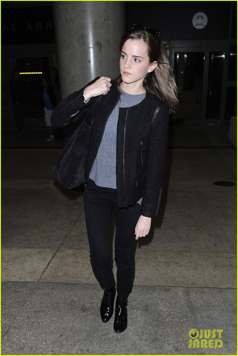 emma watson lands in los angeles after noah trailer debut 092999786