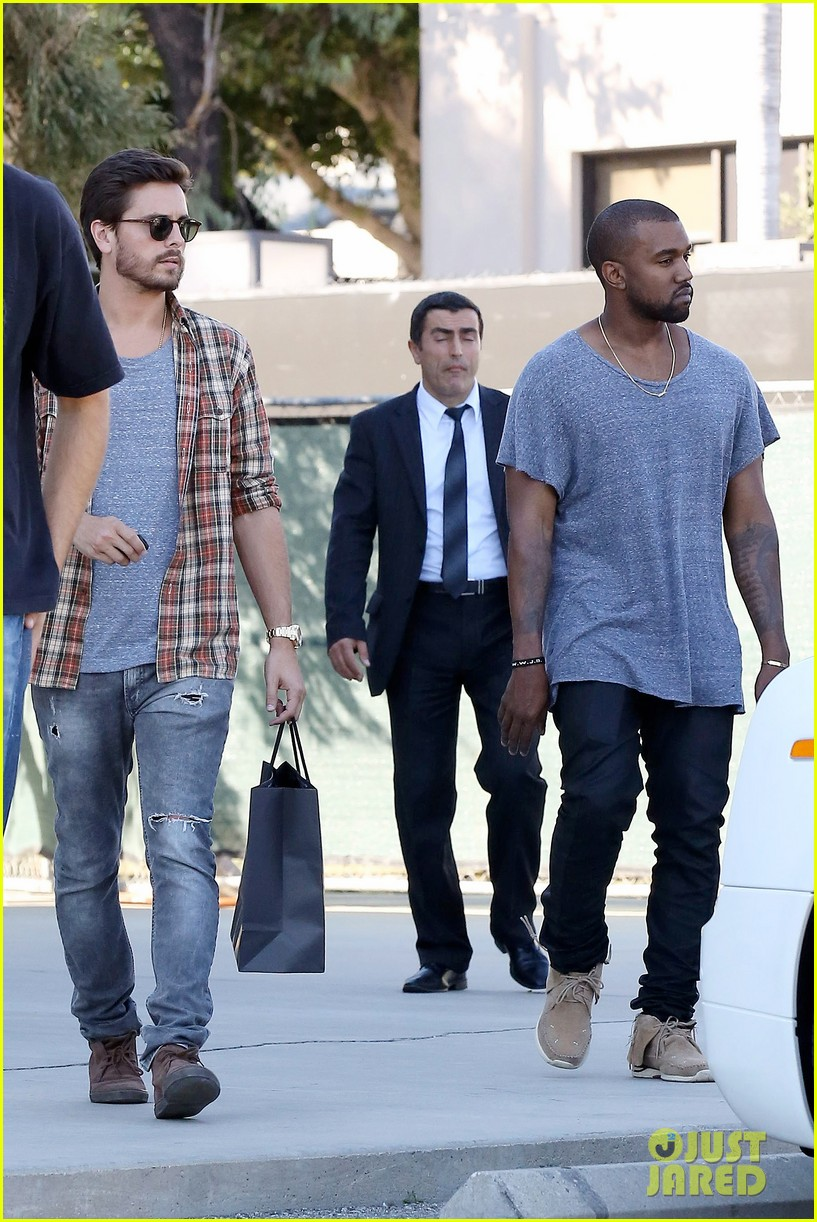 kanye west goes shopping with scott disick 012991965