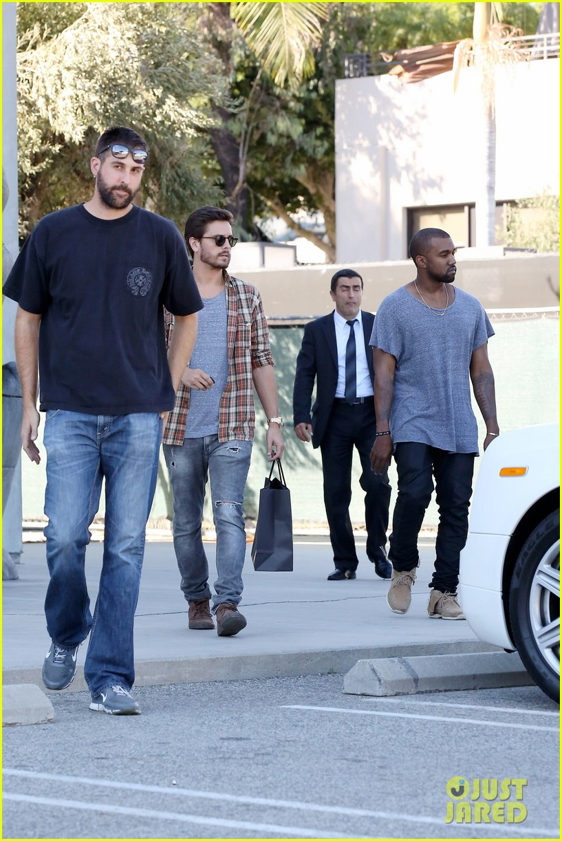 kanye west goes shopping with scott disick 052991969