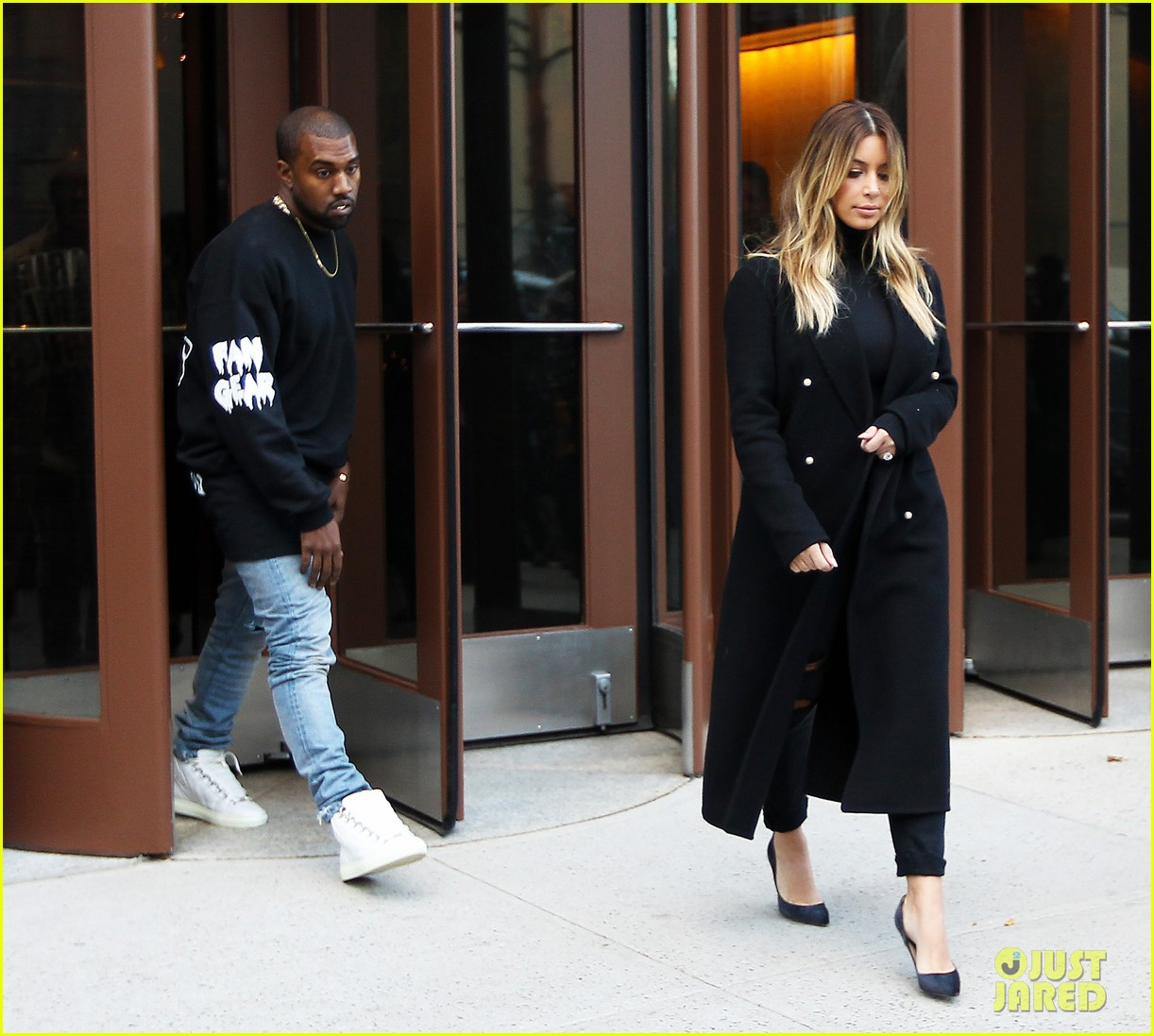 kanye west dont buy louis vuitton until after january 103000137