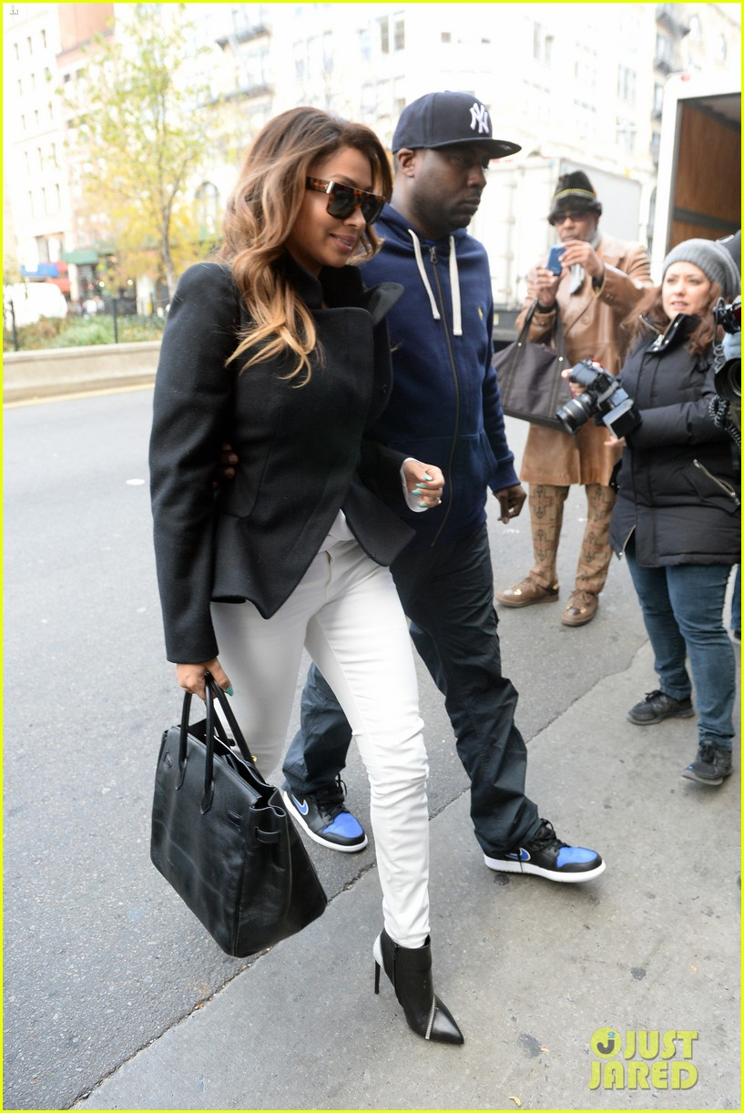 kanye west steps out after zappos responds to comments 072997496