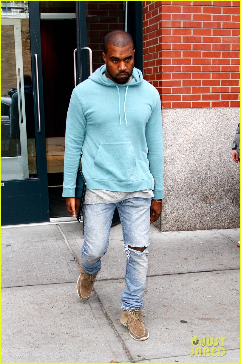 kanye west steps out after zappos responds to comments 172997506