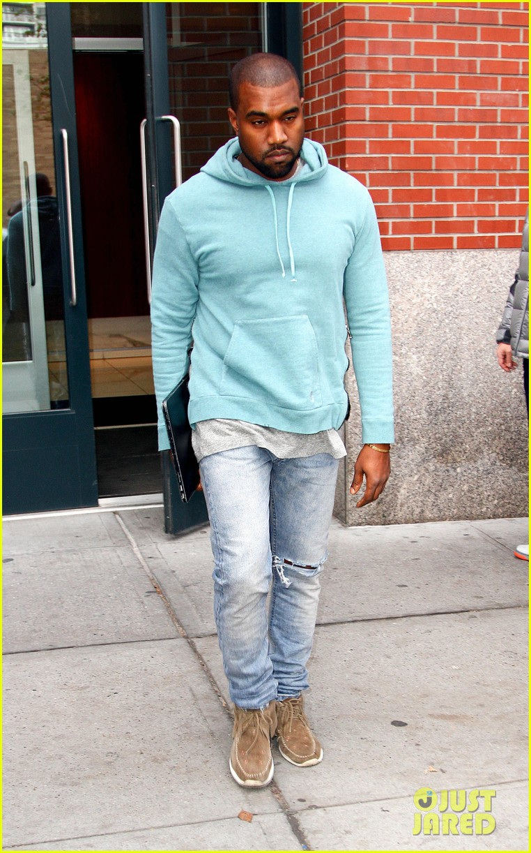 kanye west steps out after zappos responds to comments 182997507