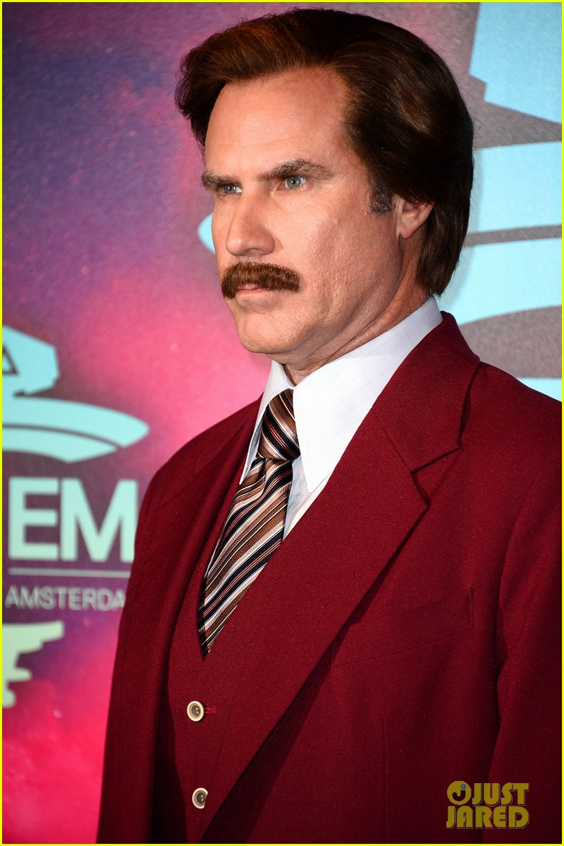 will ferrell as ron burgundy mtv ema 2013 red carpet 01