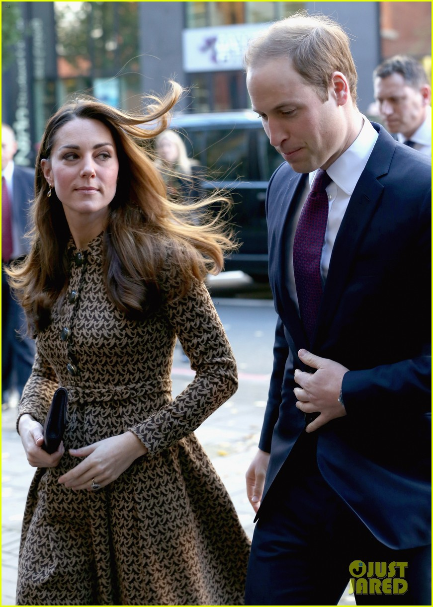 kate middleton prince william only connect charity visit 082995875