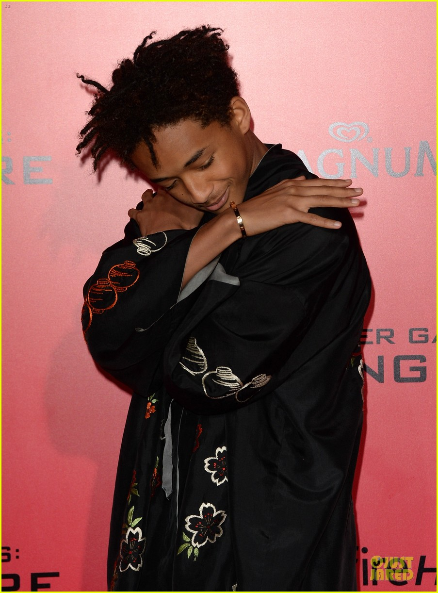 willow jaden smith catching fire la premiere 132995756