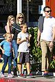 reese witherspoon jim toth grab pre thanksgiving lunch 03