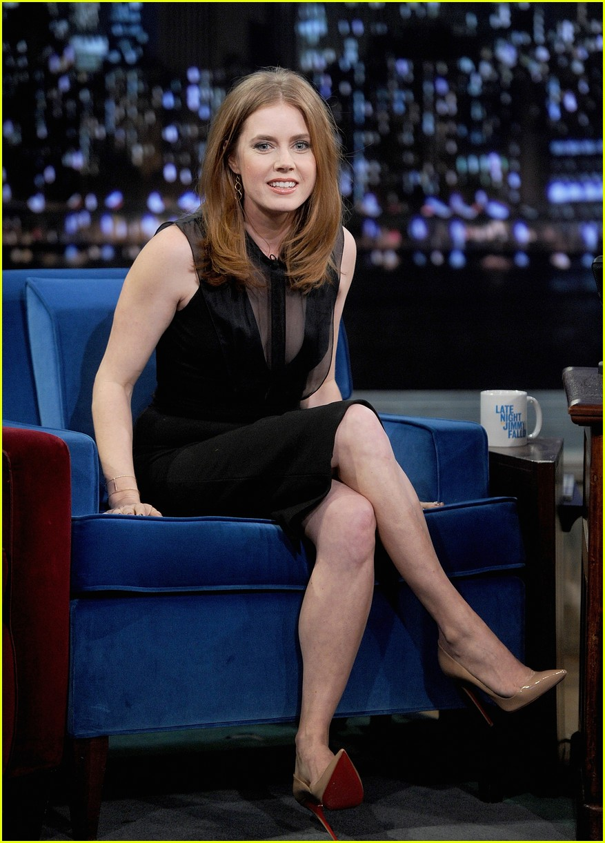 amy adams talks emotional kiss with jennifer lawrence 053008620