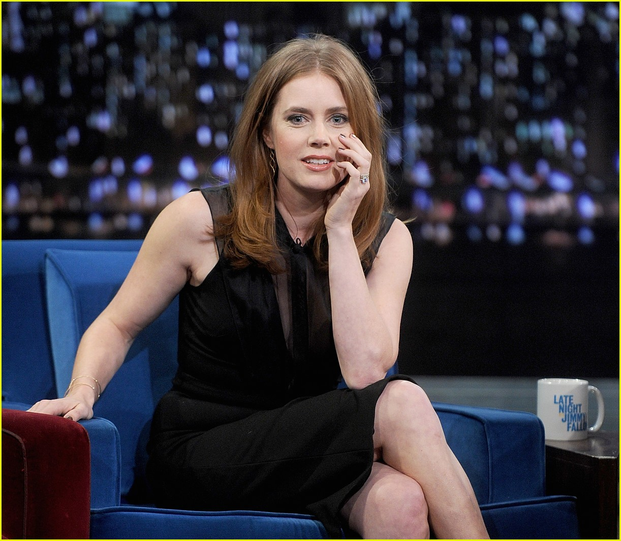 amy adams talks emotional kiss with jennifer lawrence 103008625