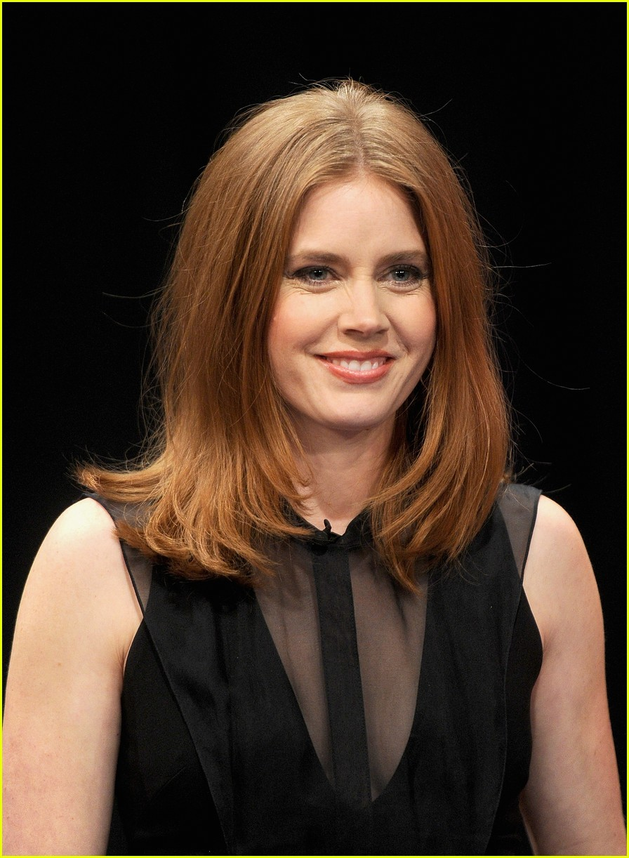 amy adams talks emotional kiss with jennifer lawrence 173008632