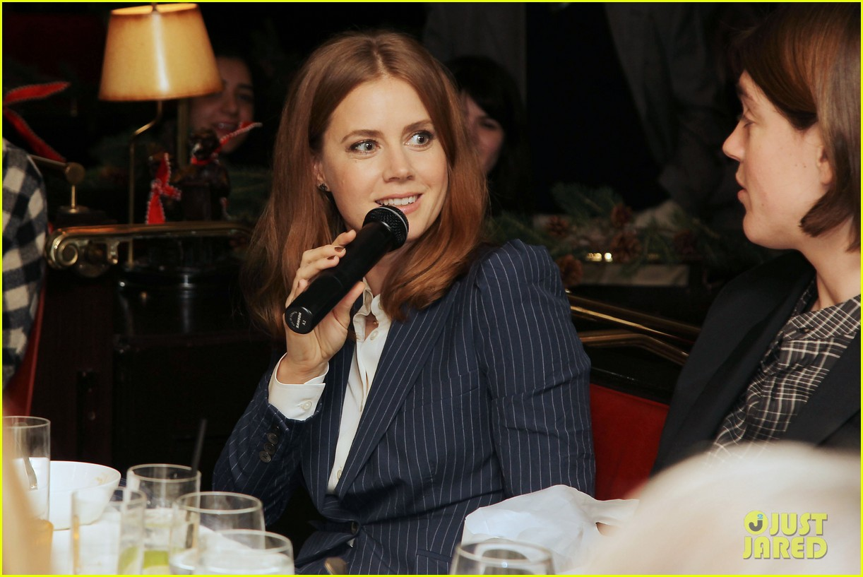 amy adams rocks pinstriped pantsuit at her luncheon 11