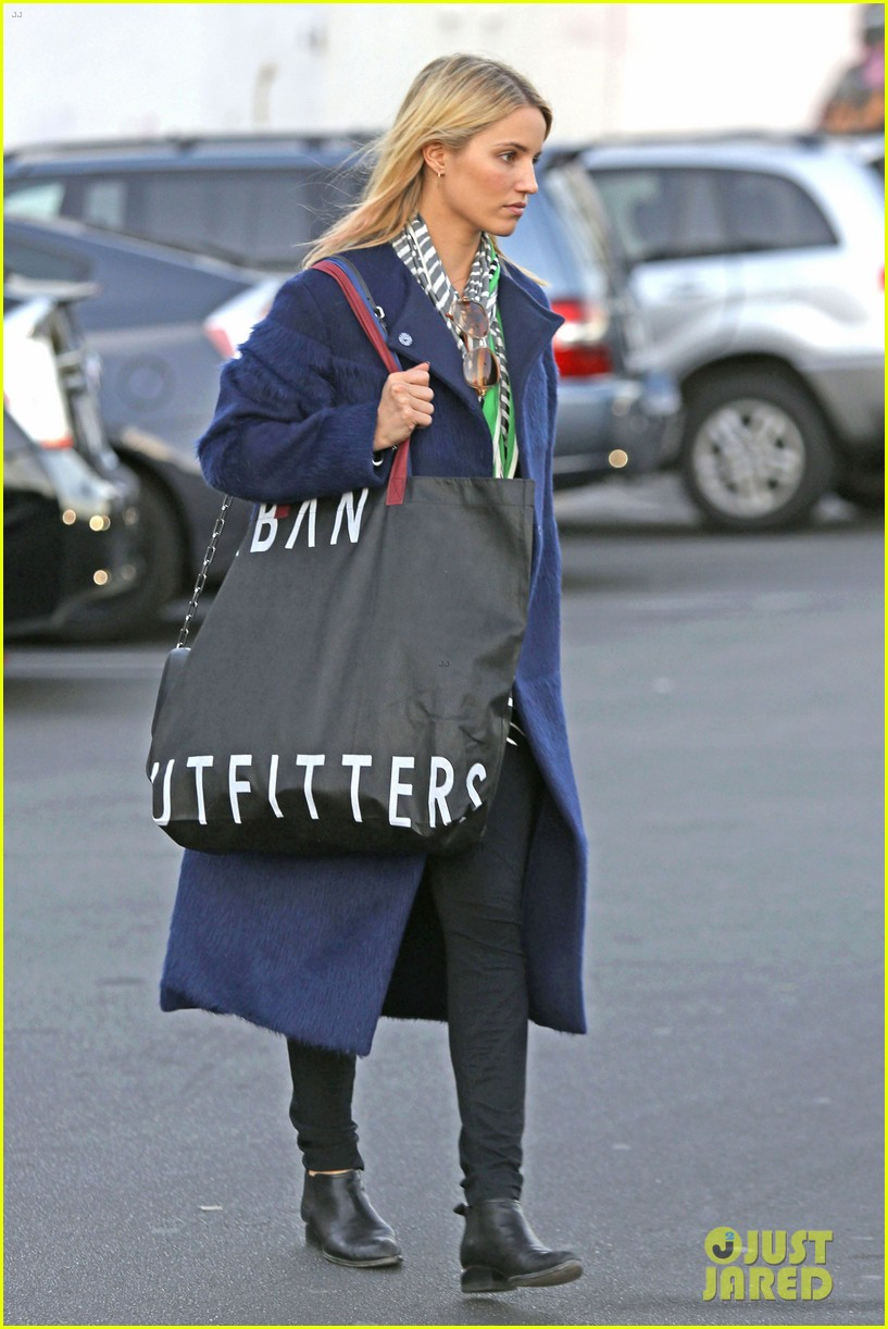 dianna agron supports glees amber riley at holiday concert 053017050