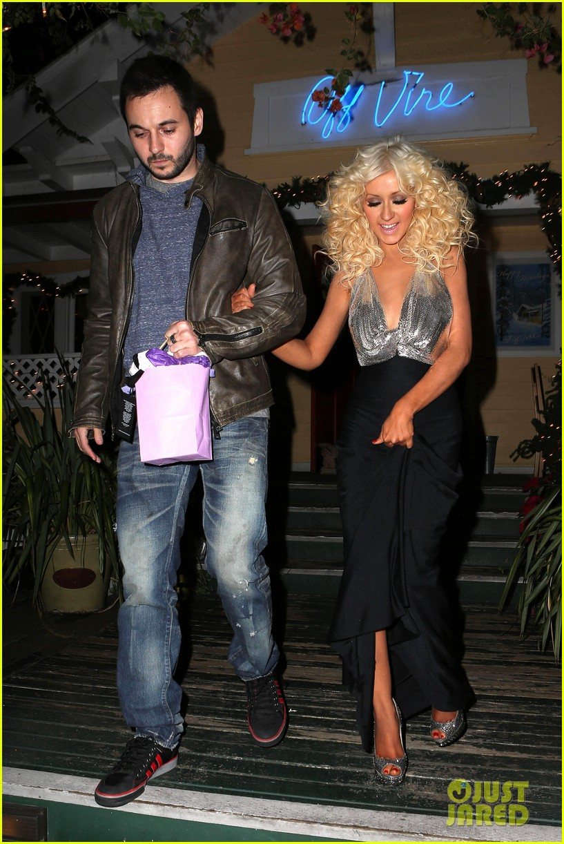 christina aguilera matthew rutler off vine dinner after the voice finale 023014051