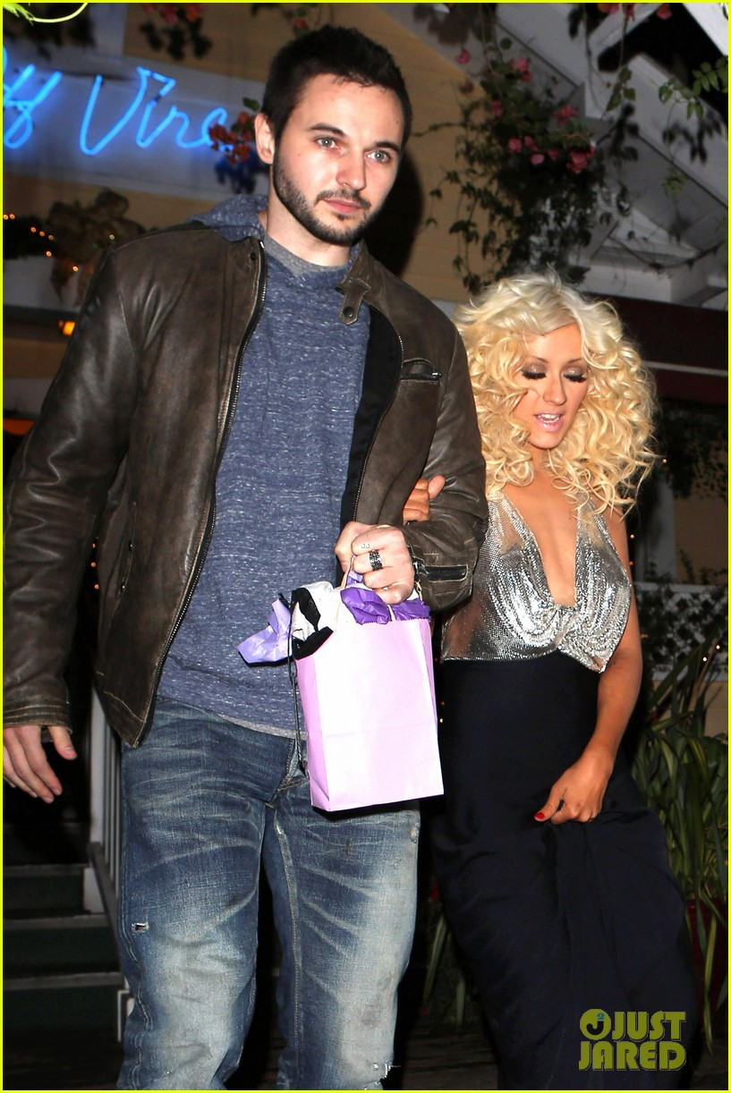 christina aguilera matthew rutler off vine dinner after the voice finale 073014056