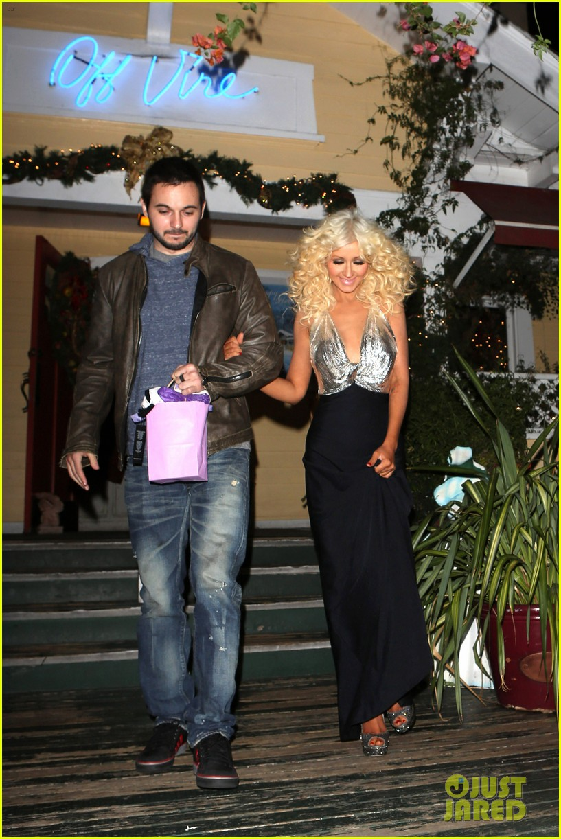 christina aguilera matthew rutler off vine dinner after the voice finale 083014057