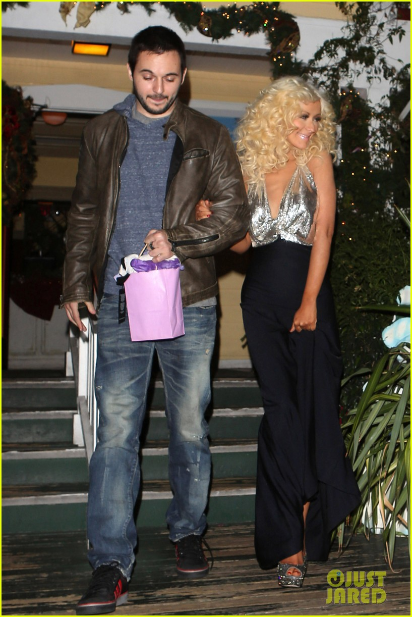 christina aguilera matthew rutler off vine dinner after the voice finale 093014058