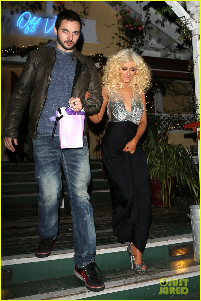 christina aguilera matthew rutler off vine dinner after the voice finale 103014059