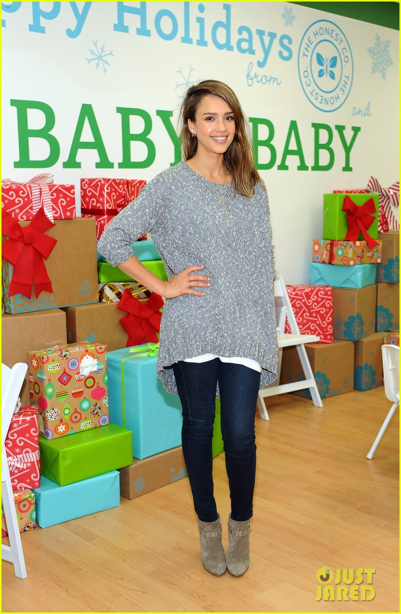jessica alba gwen stefani baby2baby holiday party 113012306