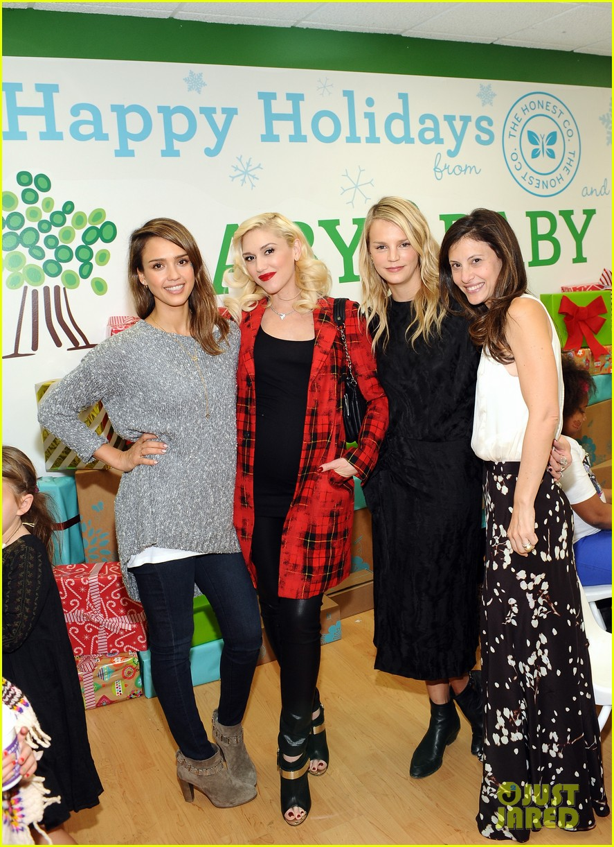 jessica alba gwen stefani baby2baby holiday party 153012310