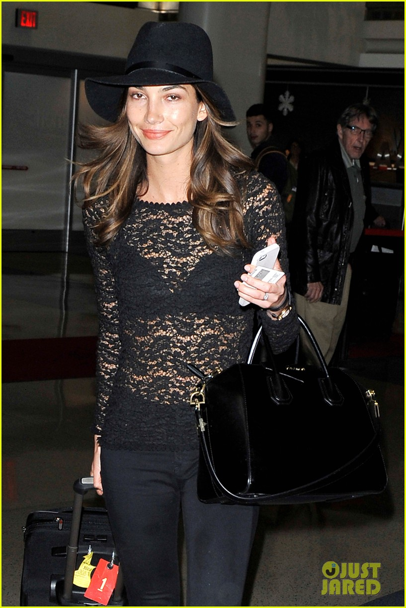 lily aldridge back at lax after quick trip in town 043015386