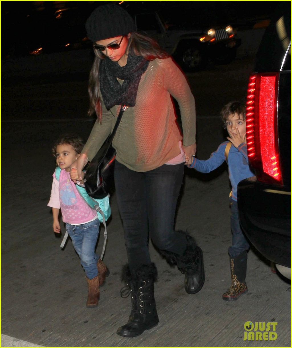 camila alves lands in snowy nyc with the kids 063013649