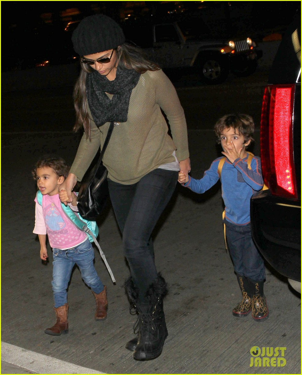 camila alves lands in snowy nyc with the kids 073013650