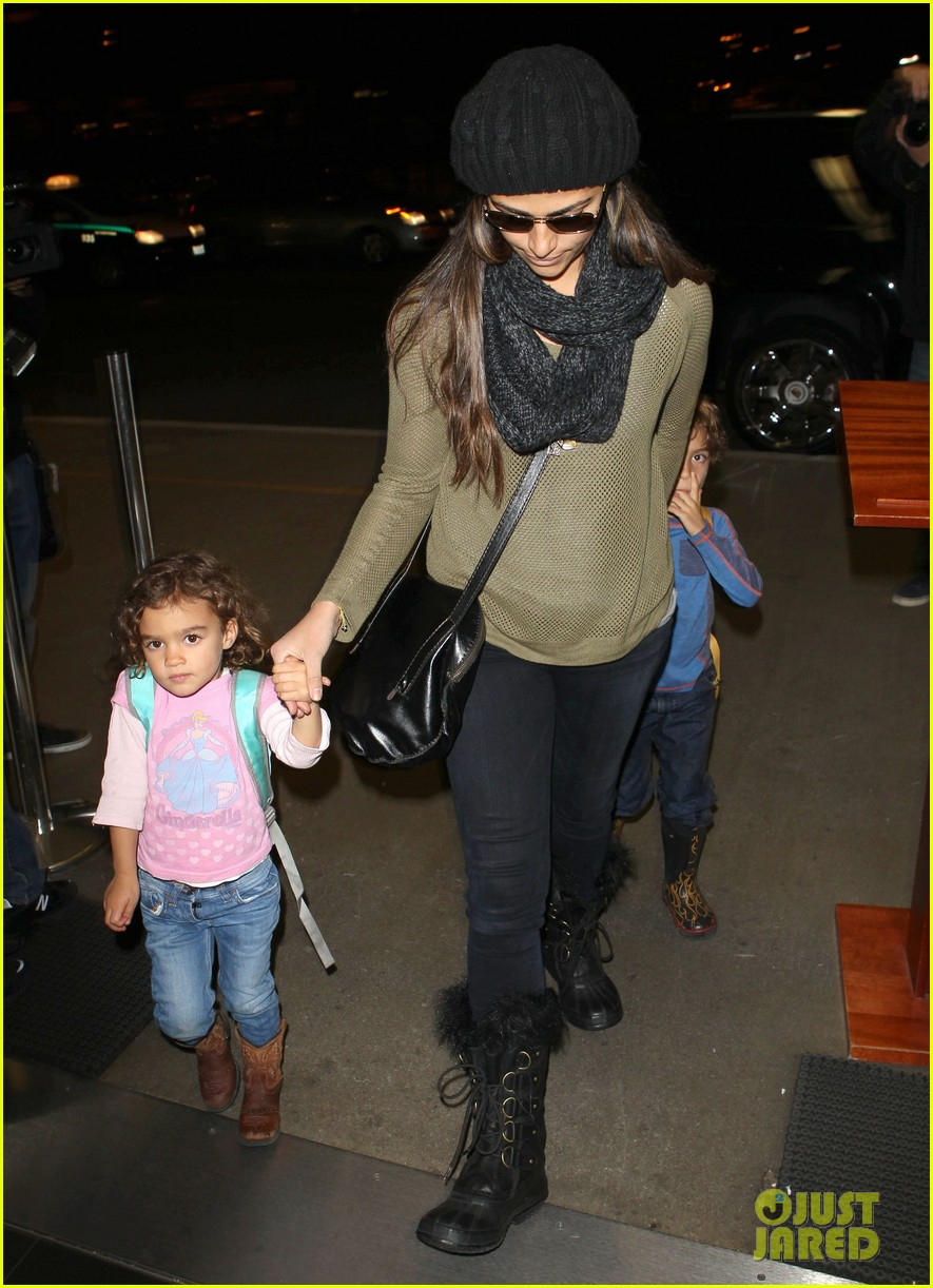 camila alves lands in snowy nyc with the kids 09