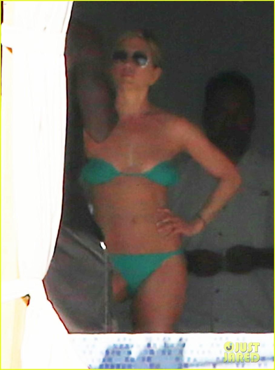 jennifer aniston wears barely there bikini in cabo 193019997
