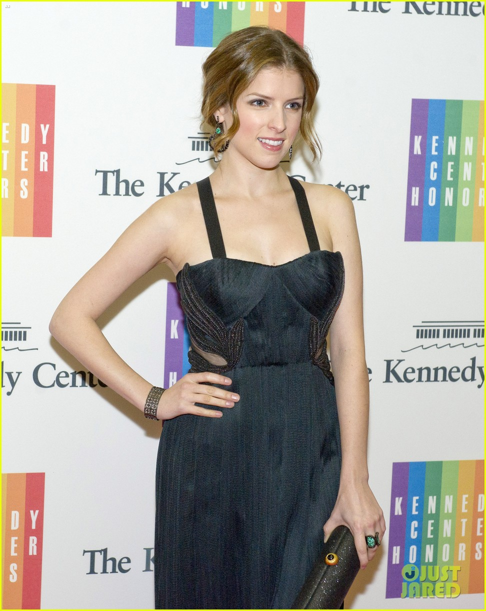 anna kendrick attends kennedy center gala dinner 01